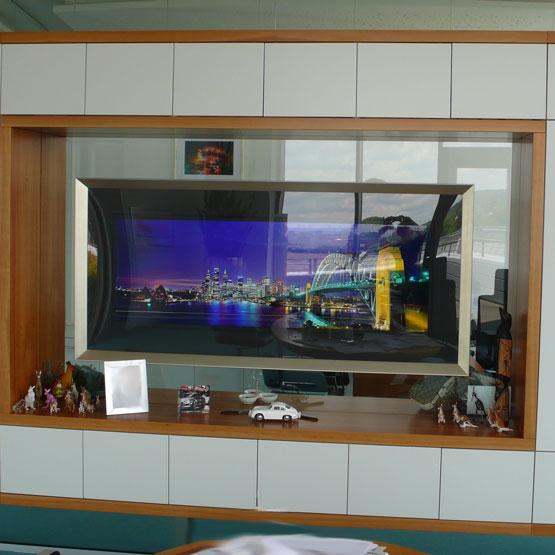 Raumteiler mit Stauraum und Medienfunktion